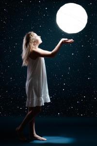 moon-3144654_1920