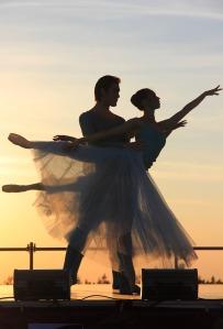 ballet-1262613_1920