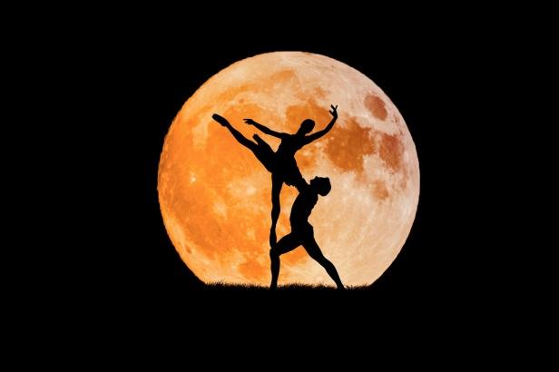 dancing-couple-3156089